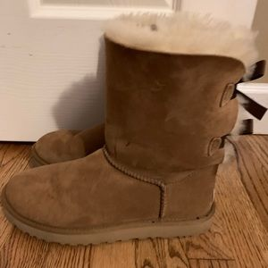 UGG Bailey Bow Sherling Short Boot